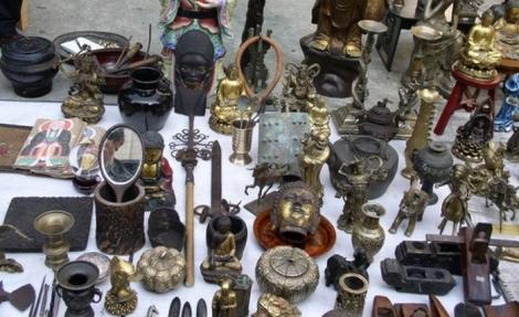 Antiquario in soffitta il mercatino dell 39 antiquariato di for Mercatino dell usato siracusa