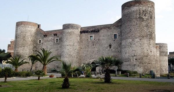 castello-ursino-catania